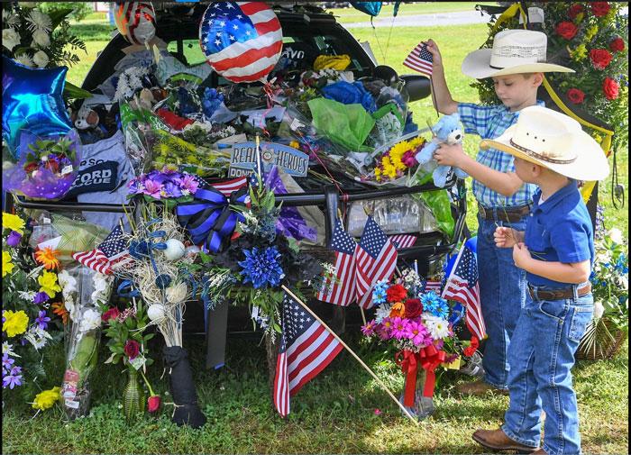 Devin Hodges police car memorial