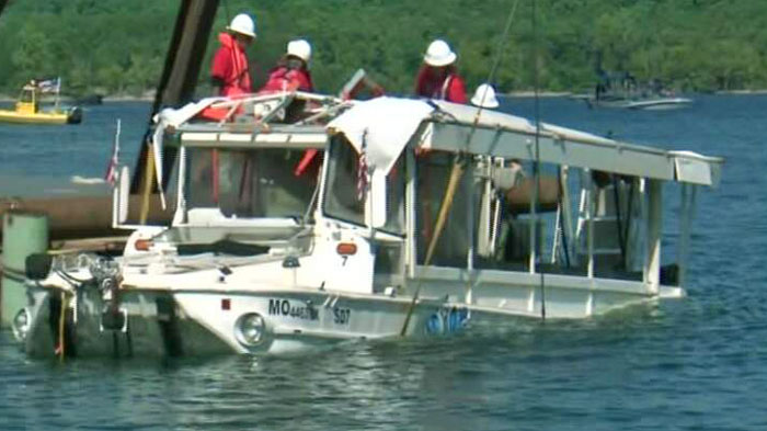 DUCK boat being raised Branson Missouri image courtesy 4029TV