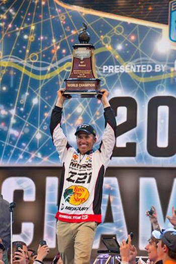 Edwin Evers celebrating winning Bassmaster Classic 2016 Mercury Marine image