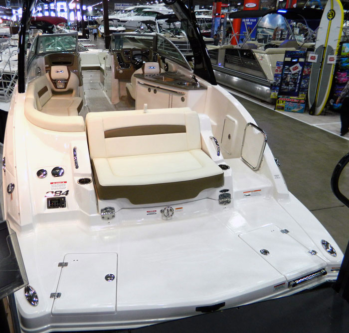 Swim platform seat and gate on Chaparral 284 Sunesta