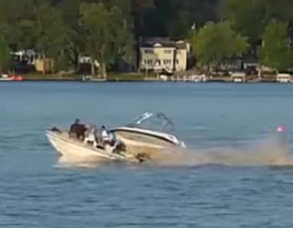 Lake Gage boat accident Yuxxy youtube video at 29 seconds